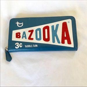 LIMITED EDITION Coach Bazooka Clutch Wallet ❤️
